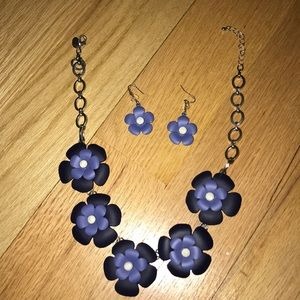 Jewelry - Dark blue matching necklace and earring set